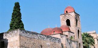 The church of San Giovanni degli Eremiti in Palermo, Sicily. It aas a masjid during the era of Muslim Sicily- Creative Commons via Wikimedia.