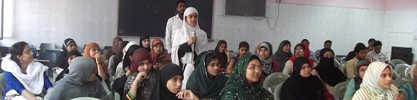 Muslim girl students attending a NEET counseling session in Patna organized by SIO