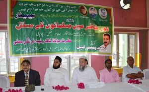 L-R: Dr. Shakeel Samdani, Maulana Khalid Rashid, Maulana Usama, SR Darapuri (extreme right)