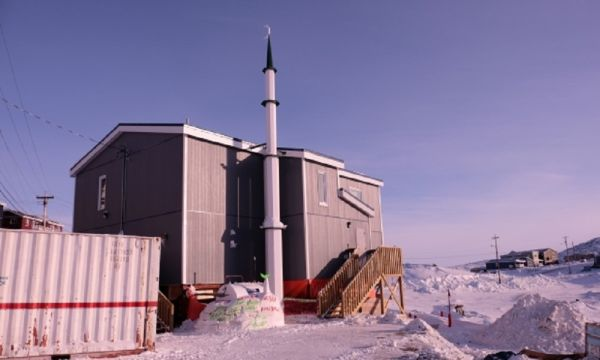 Iqaluit's new mosque was built by the Zubaidah Tallab Foundation and the Islamic Association of Nunavut. Image from CBC news