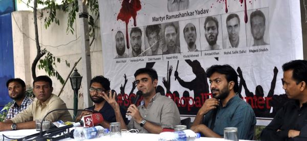 (L-R) Miran Haidar Student JMI, Parvez Alam Khan, Jignesh Mevani (Leader of Una Dalit Uprising), Comrade Ameeque Jamei, Mohit Pandey President JNUSU and Advocate Shamshad Pathan (Leader of Una Uprising) .